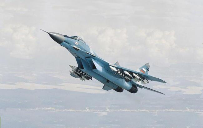 Фото: истребитель Су-27