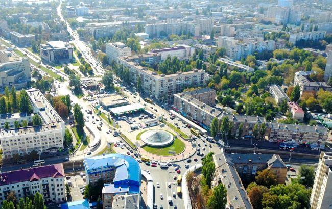 """Мозаики, """"космическая"""" ротонда и цветные хрущевки: малоизвестные локации Киева, которые стоит увидеть"""