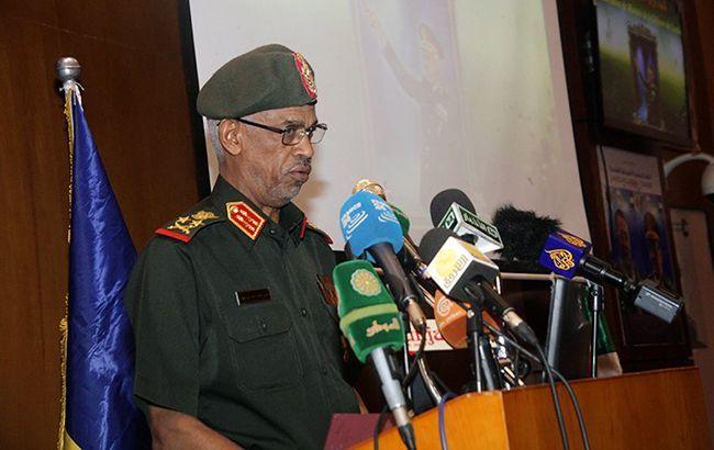 Глава Міноборони Судану оголосив себе керівником країни
