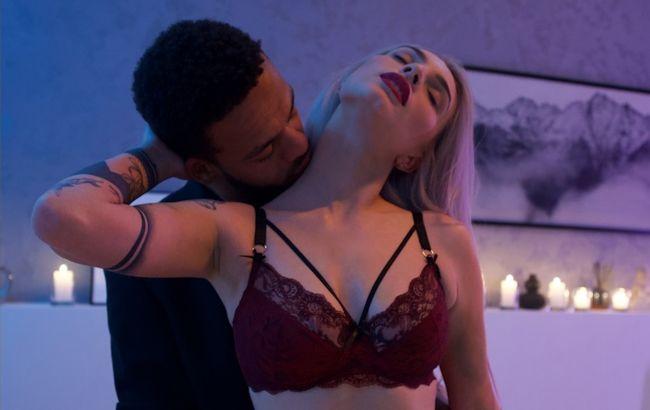Украинская ТВ-звезда снялась в эротической фотосессии вместе с любимым: очень горячие фото