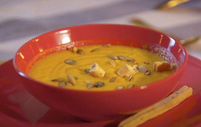 Горячая соблазнительница: Монро поделилась рецептом крем-супа для повышения либидо