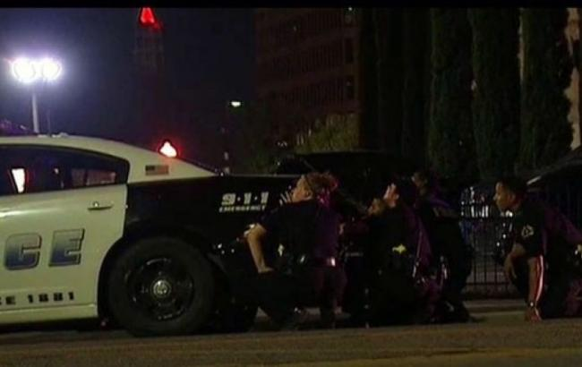 Фото: в США во время протестов пострадали два полицейских