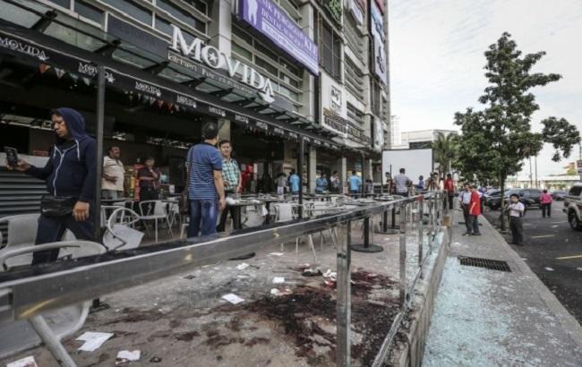 Фото: у Малайзії вибух у барі вважають терактом
