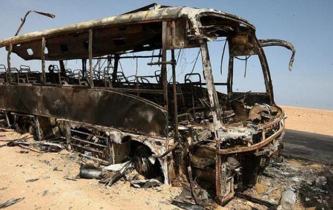 Фото: бойовики ІДІЛ підірвали автобус з сирійськими повстанцями
