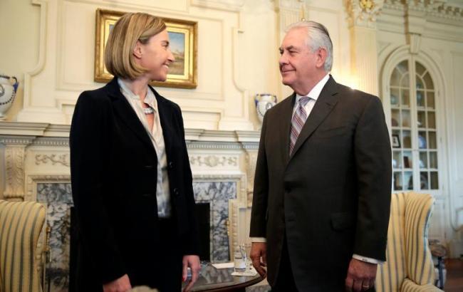 Напервой встрече Могерини игоссекретарь США Тиллерсон обсудили государство Украину иРФ
