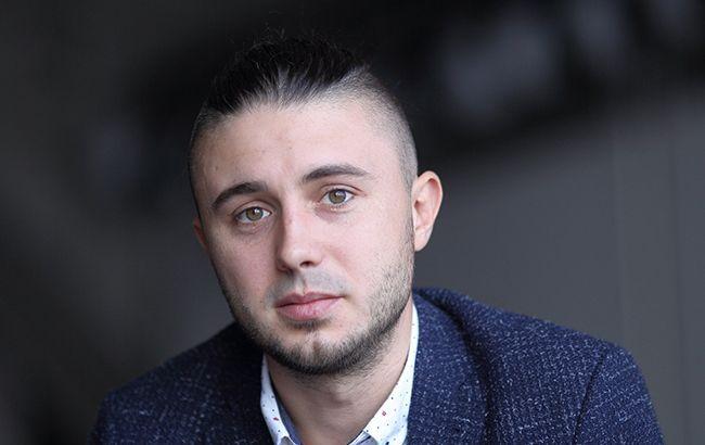 Гимн как колыбельная: Тарас Тополя спел на ночной онлайн-конференции