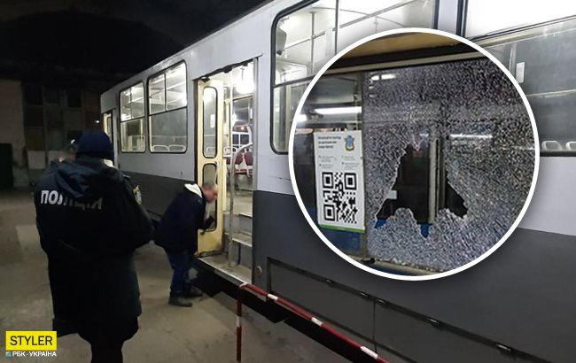 В Николаеве обстреляли трамваи с пассажирами: все детали и фото