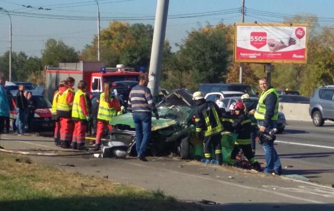 В Києві зіткнулися два автомобілі: 2 особи загинули, ще 4 травмовані