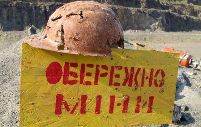 Российские оккупанты продолжают минировать поля и дороги на Донбассе