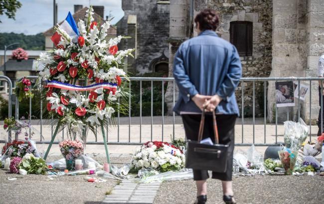 Фото: во Франции задержан очередной подозреваемый в причастности к нападению на церковь