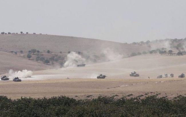 Фото: турецькі танки на території Сирії