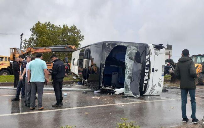 У Туреччині перекинувся пасажирський автобус