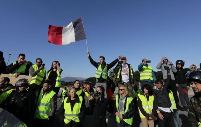 У Парижі 13 протестувальникам пред'явлені звинувачення у пошкодженні Тріумфальної арки