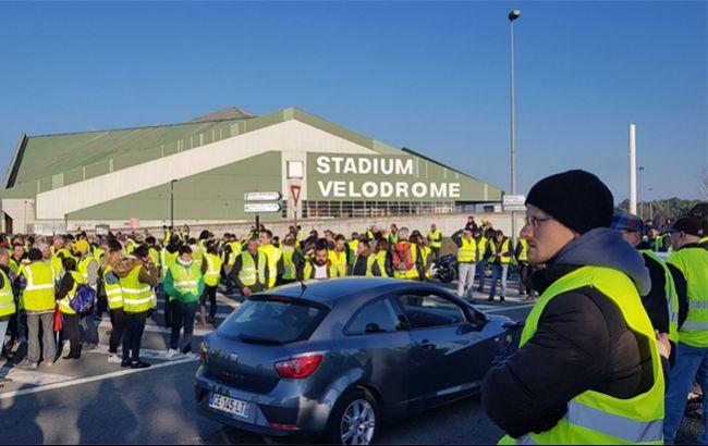 Кількість постраждалих в ході протестів у Франції зросла до 100