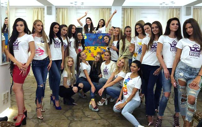 Фото: Участницы Мисс Украина 2017 (facebook.com/missukraineofficial)