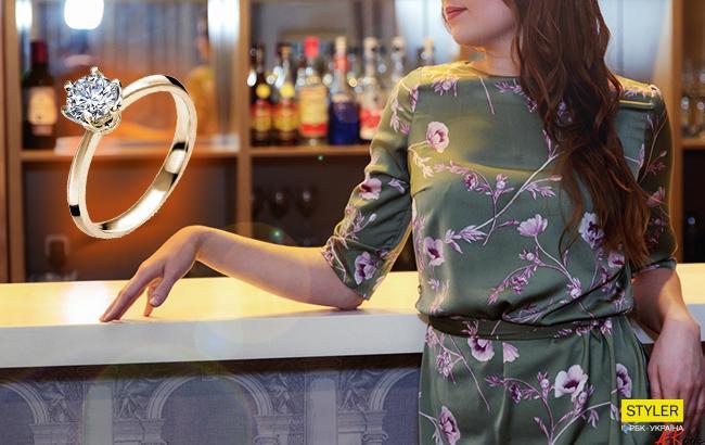 В киевском баре посетительница оставила вместо чаевых обручальное кольцо