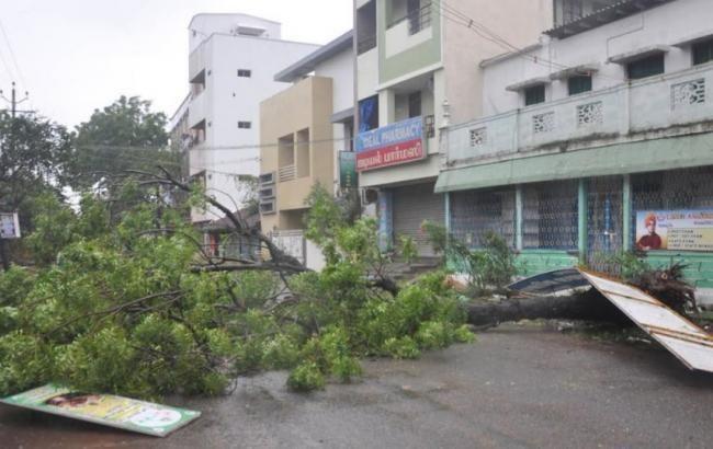 """Количество жертв циклона """"Гаджа"""" в Индии возросло до 33"""