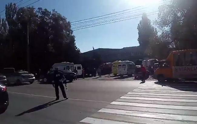 В результате взрыва в колледже Керчи погибли 10 человек