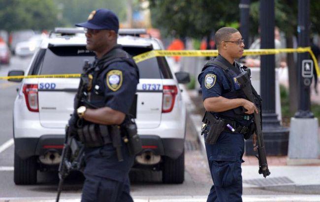 ВПенсильвании открыли стрельбу подвум офицерам милиции