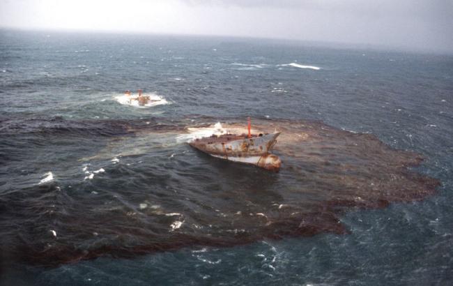 Иллюстративное фото: разлив нефти (AFP)