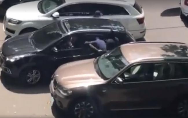 Фото: розбійний напад в Одесі (YouTube screenshot)