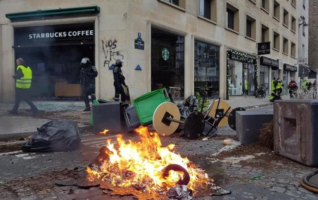 Протести в Парижі: поранено близько 30 осіб