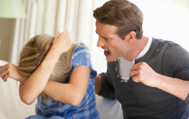 Фото: более 100 тыс. украинцев ежегодно подвергаются семейному насилию