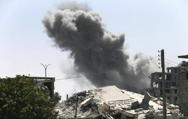 По військовій авіабазі в Сирії нанесли удари