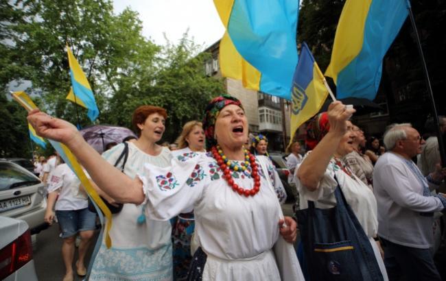 Фото: Мегамарш у вишиванках (Віталій Носач, РБК-Україна)