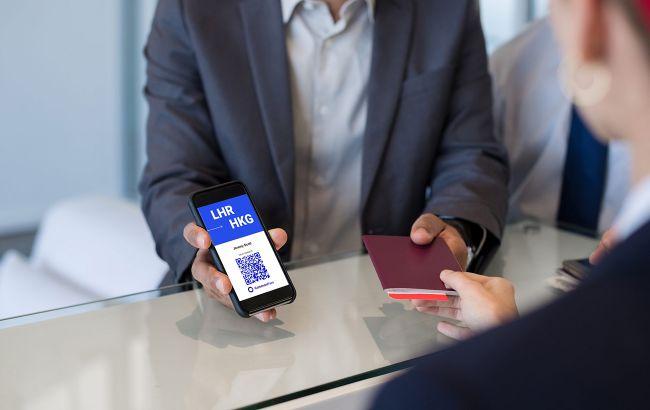 Франция хочет первой в ЕС запустить COVID-паспорта для путешествий