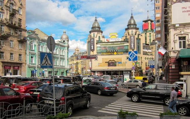 Фото: у Києві до 31 травня 2017 року обмежать рух транспорту у кількох районах