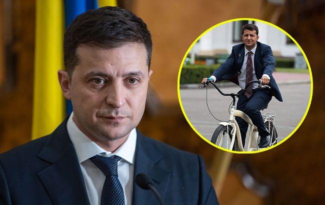 """Зеленскому в Эстонии """"подогнали"""" именной велосипед: как в """"Слуге народа"""""""