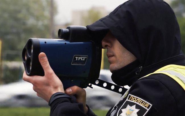На украинских дорогах станет больше патрульных с радарами: где будут проверять скорость