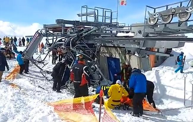 В Грузии из-за аварии подъемника на горнолыжном курорте пострадали 10 человек