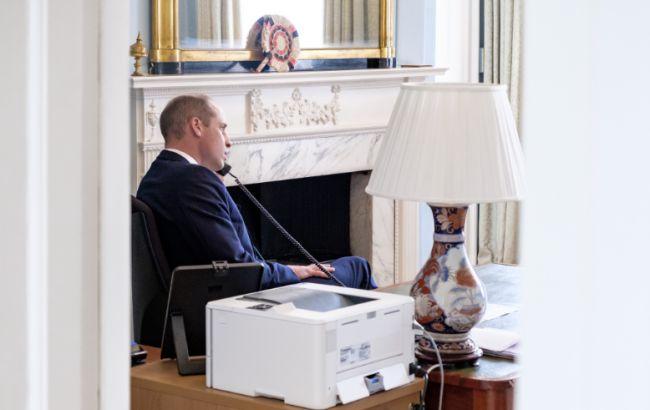 Принц Уильямразрешил самолетам скорой помощи дозаправляться во дворе Кенсингтонского дворца
