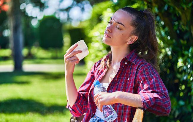 Как избежать обезвоживания во время жары: в Минздраве дали ответ