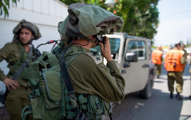 На Западном берегу Иордана палестинец совершил наезд на израильских военных
