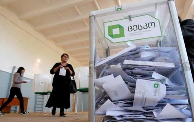Фото: грузинский ЦИК подсчитал 54,5% бюллетеней