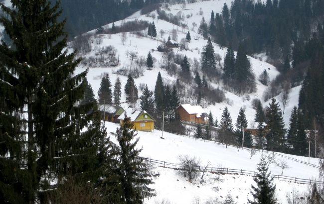 """""""Людей немає, броні скасовують"""": на відомому гірськолижному курорті в Карпатах мало туристів"""