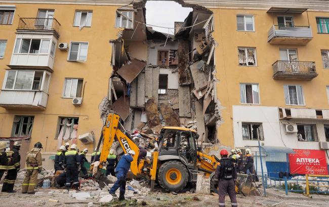 Фото: у російському Волгограді стався вибух у житловому будинку