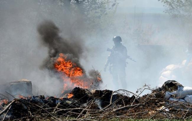 НаДонбассе подорвалось авто с«айдарорвцами», двое погибших