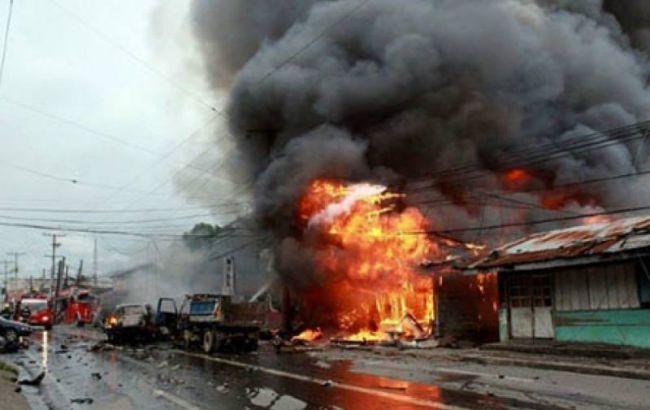 В результате двух взрывов у церкви на Филиппинах погибли 19 человек