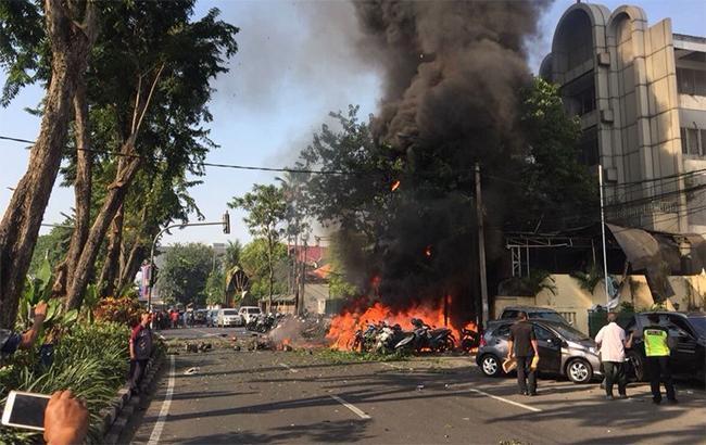 Фото: вибухи в Індонезії (twitter OrelFargas)