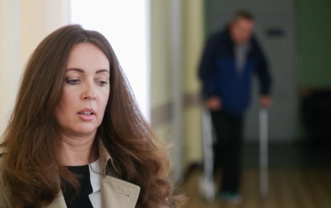 Фото: Волонтер Наталья Юсупова в столичном военном госпитале (Виталий Носач, РБК-Украина)