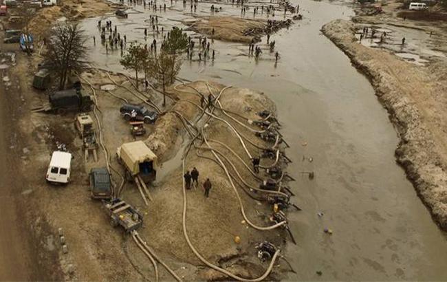 Фото: незаконний видобуток бурштину в Рівному