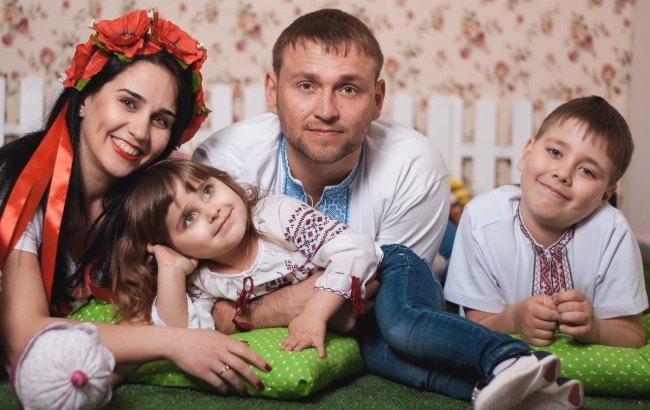 Фото: Главное для украинцев - семья (zaporizhia.solydarnist.org)