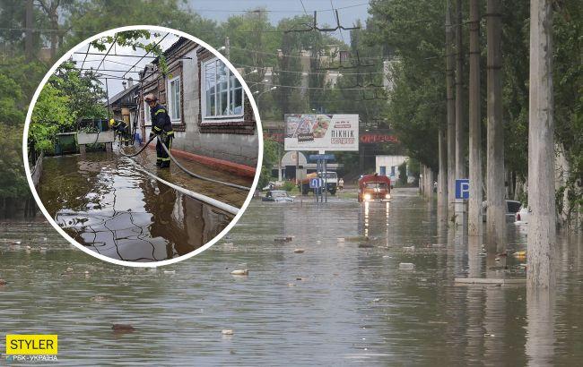 Сильные ливни затопили Мариуполь: люди стали пловцами, остановился транспорт (видео)