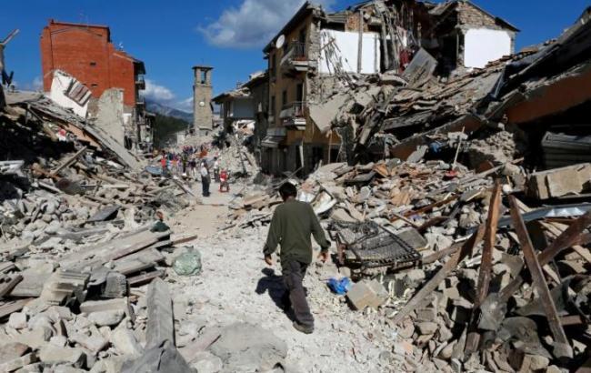 Фото: в Італії зростає кількість загиблих при землетрусі