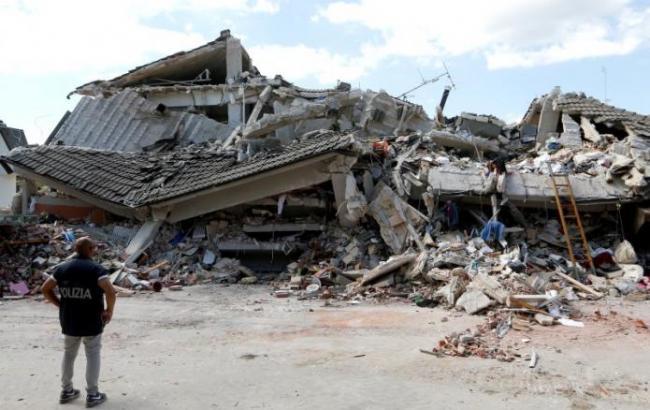 Фото: в Італії перевірять відповідність технормам зруйнованих під час землетрусу будівель