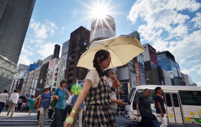 Фото: в Японии второй день стоит аномальная жара, сотни пострадавших